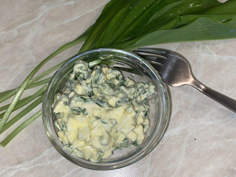 Салат из свежей черемши с майонезом