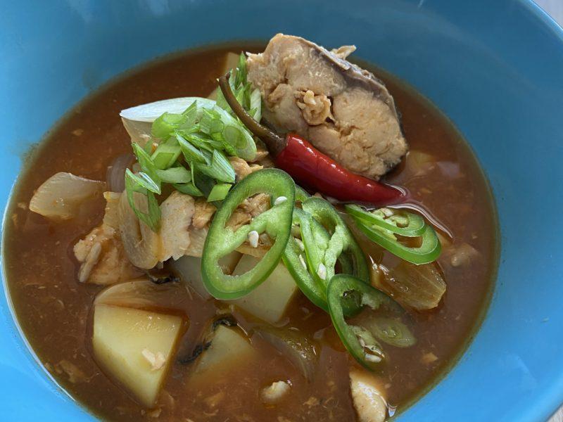 «Йоночиге» – острый суп с лососем