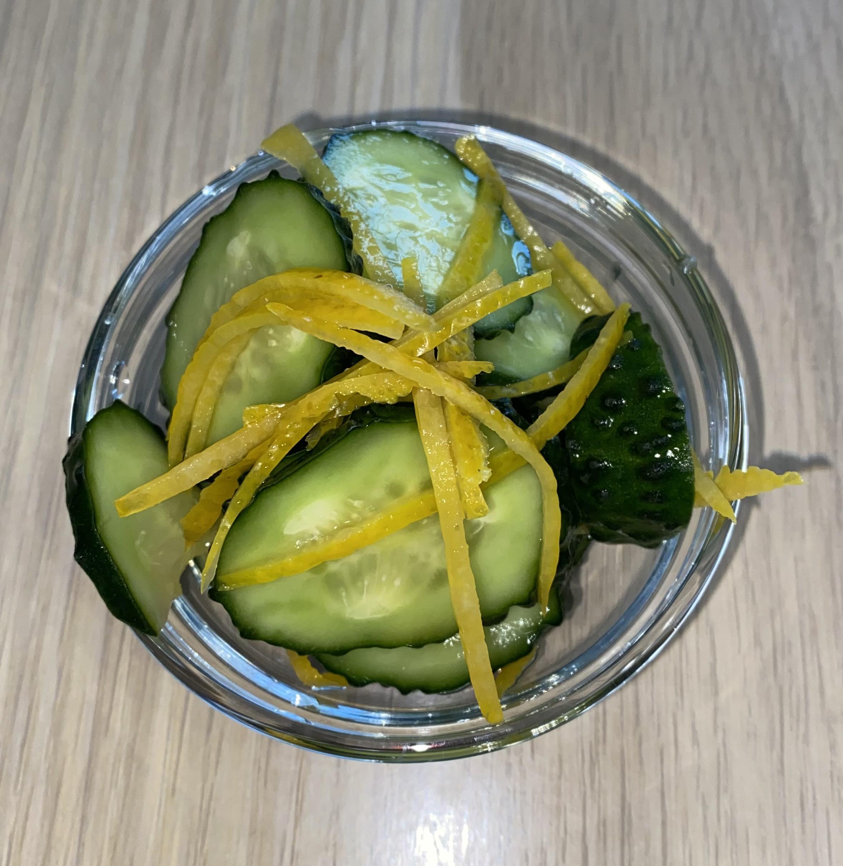 Огурец, маринованный в лимоне