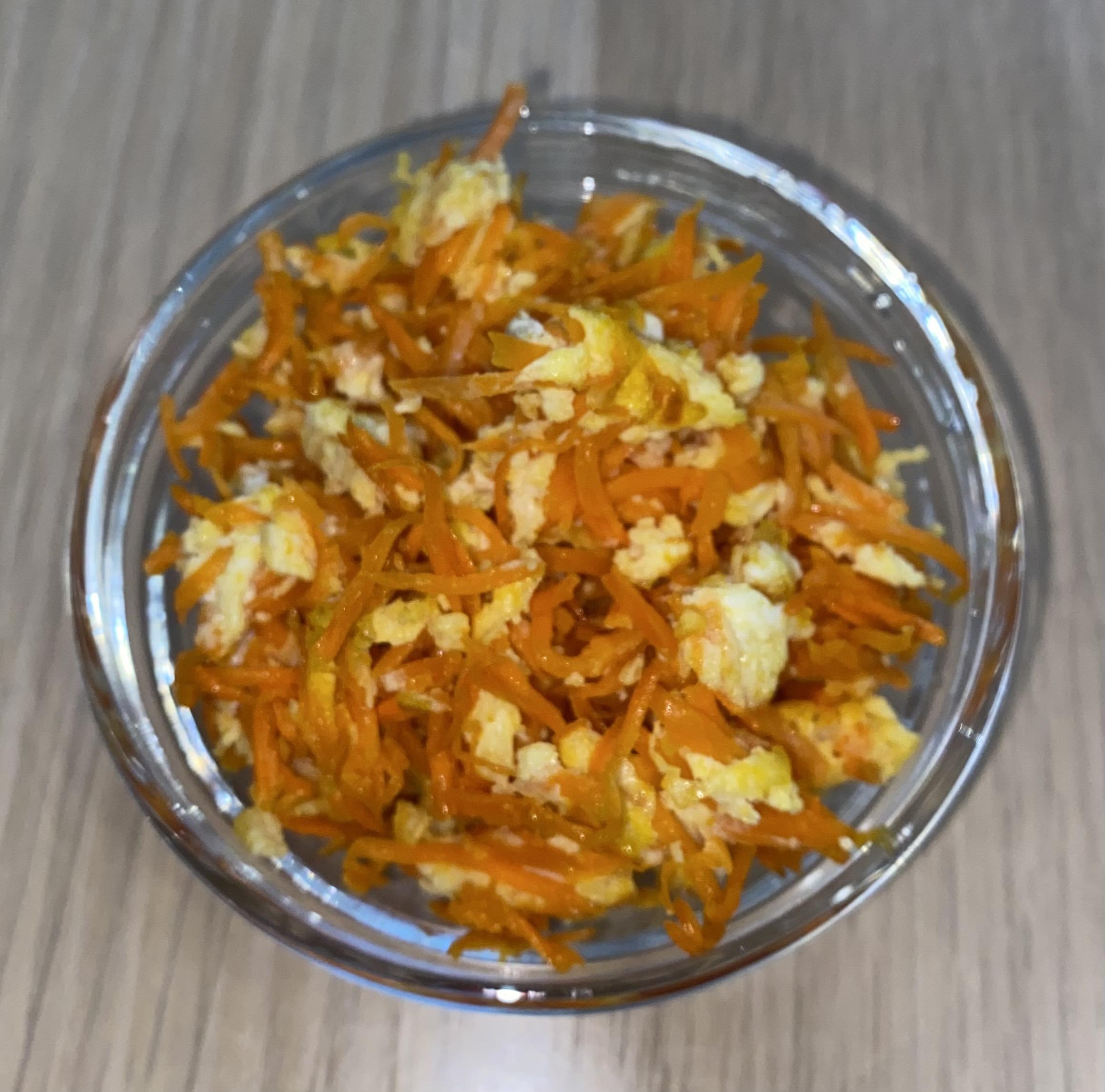Морковь, обжаренная с яйцом