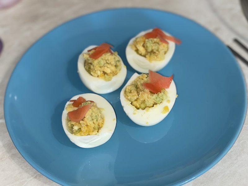 Яйцо с огурцом и имбирём
